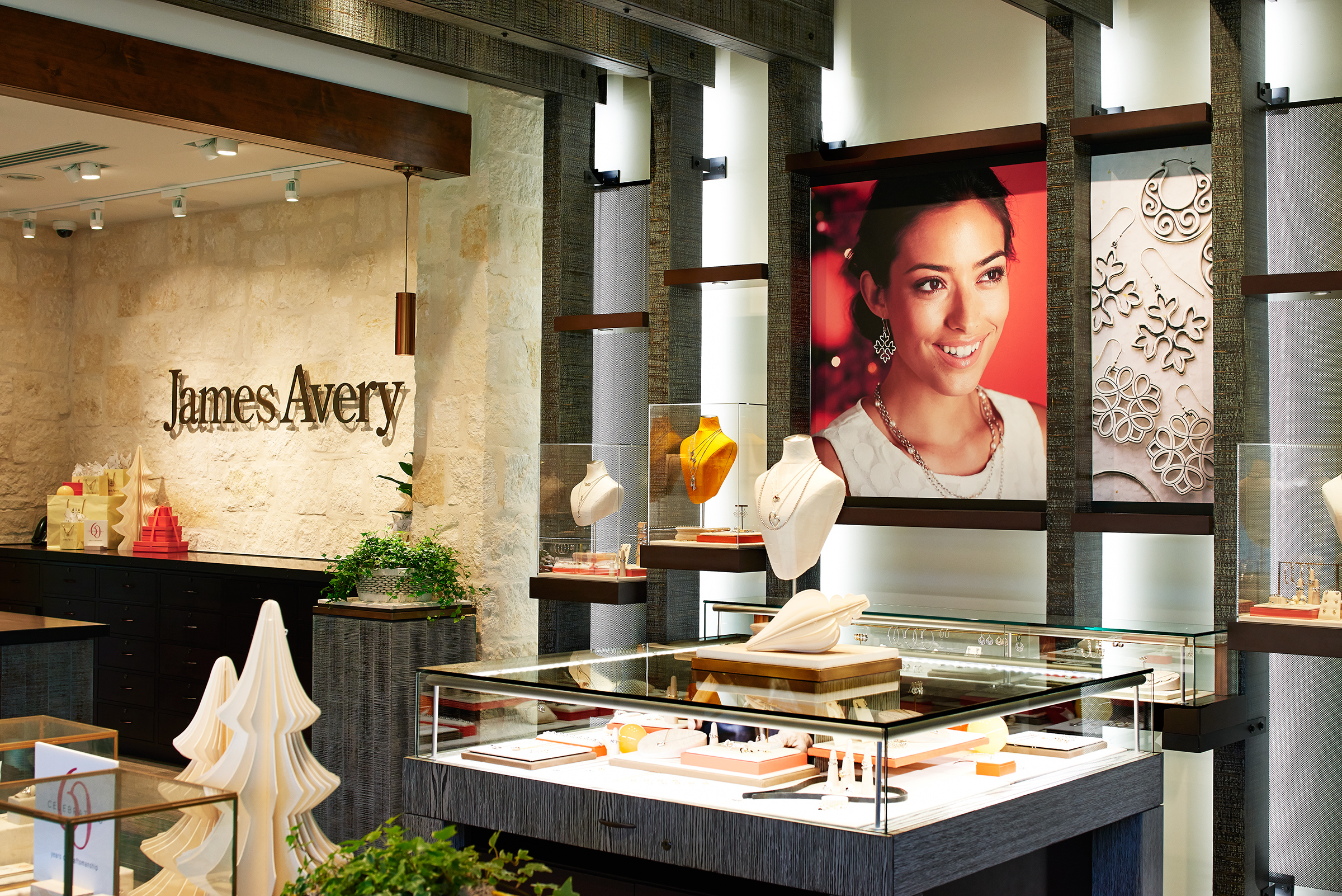 Travel Retail Partners Is Honored to be Working with James Avery Jewelry